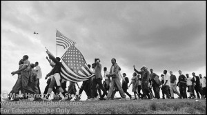 selma-flags-marchers